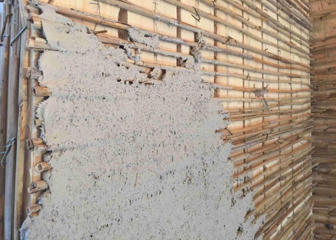 Hea tulemuse annab roomati ja rooplaadi kasutamine puitfassaadide krohvimisel.