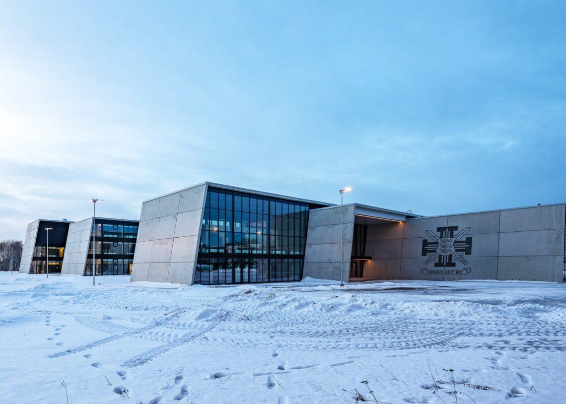 Äsja aasta betoonehitisena pärjatud Sisekaitse- akadeemia hoone. Fotod: Maris Tomba