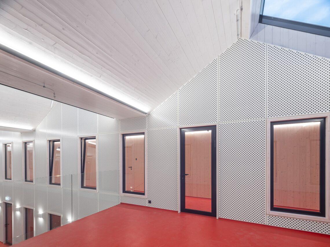 Septembris valminud hoones on avarust ja ruumi nii õppuritele kui linnaelanikele. Foto: Tõnu Tunnel