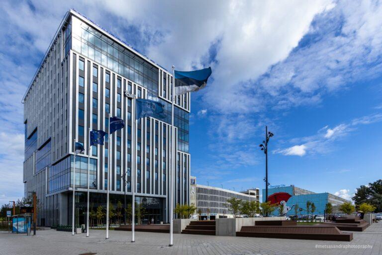 Aasta betoonehitis 2020 nominent. Viktor Palmi nimeline büroohoone koos parkimismajaga, Lõõtsa 1A/Suur-Sõjamäe 12A, Ülemiste City, Tallinn. Foto: Betooniühing