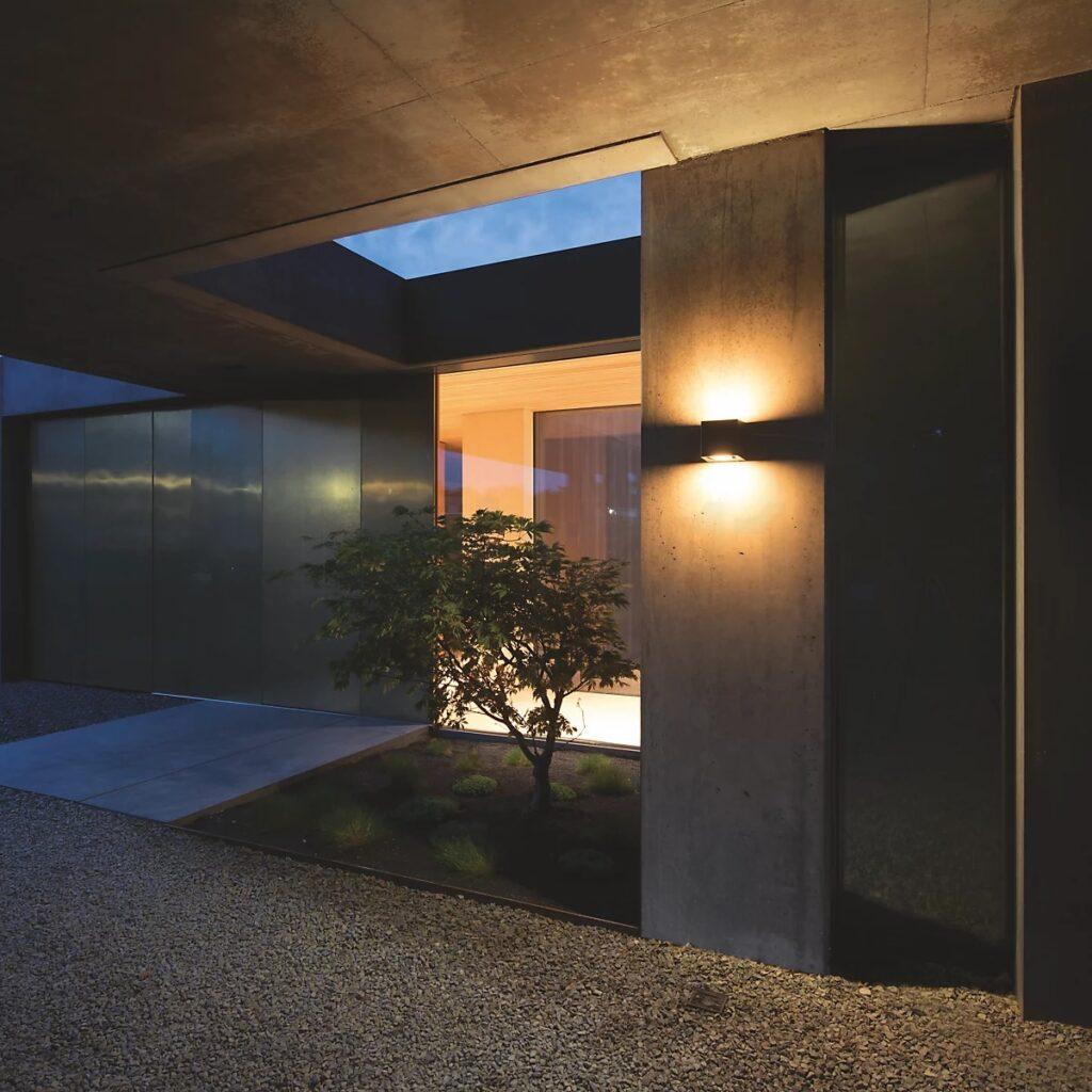 Välisvalgustus. Valgus maastikuarhitektuuris. Allikas: INKodu